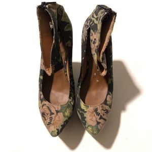 "MATIKO BY ANTHROPOLOGIE ""Camden"" Floral Wedge"